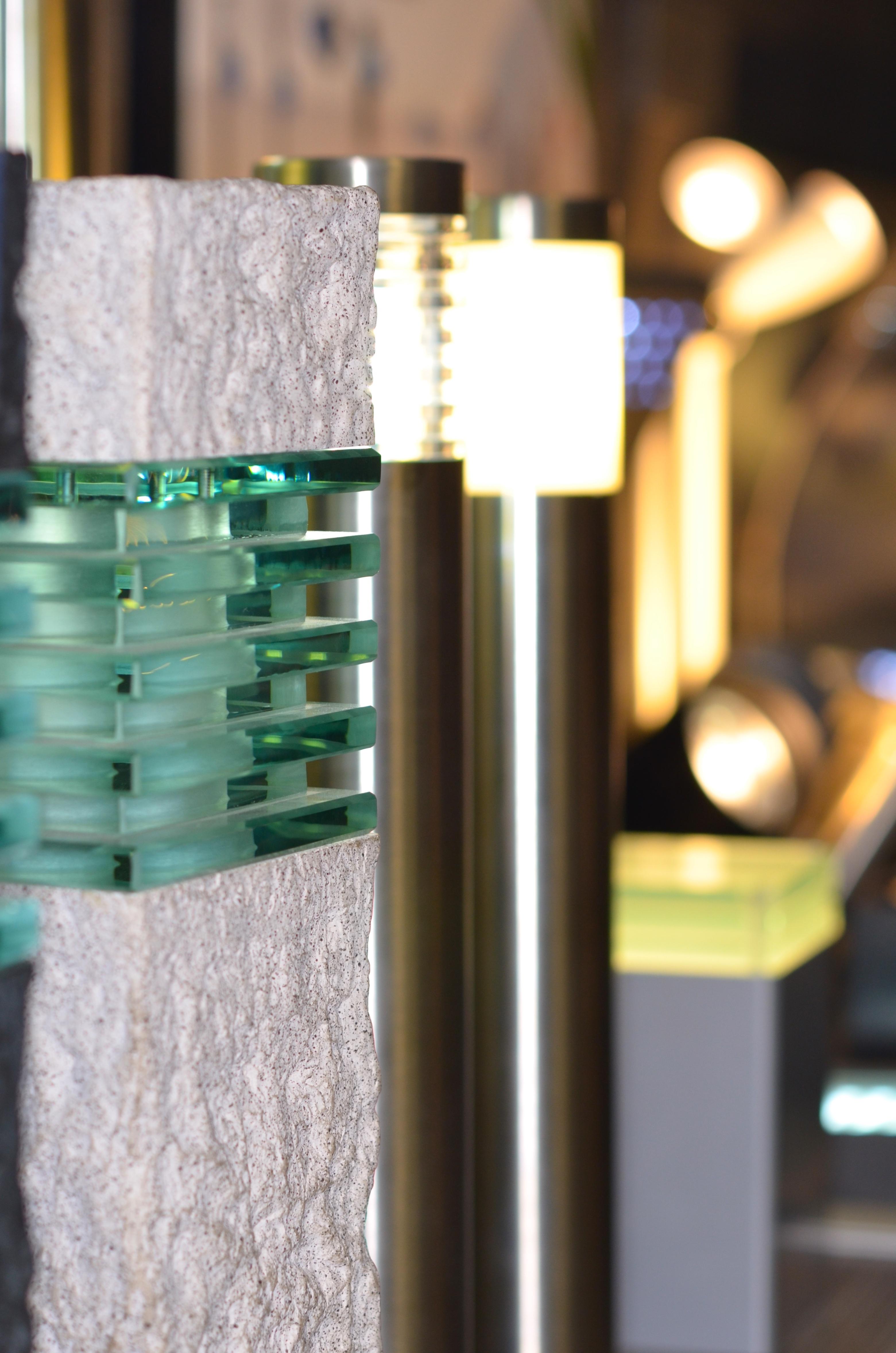 Beleuchtungsabteilung im Gartencenter spendet Licht