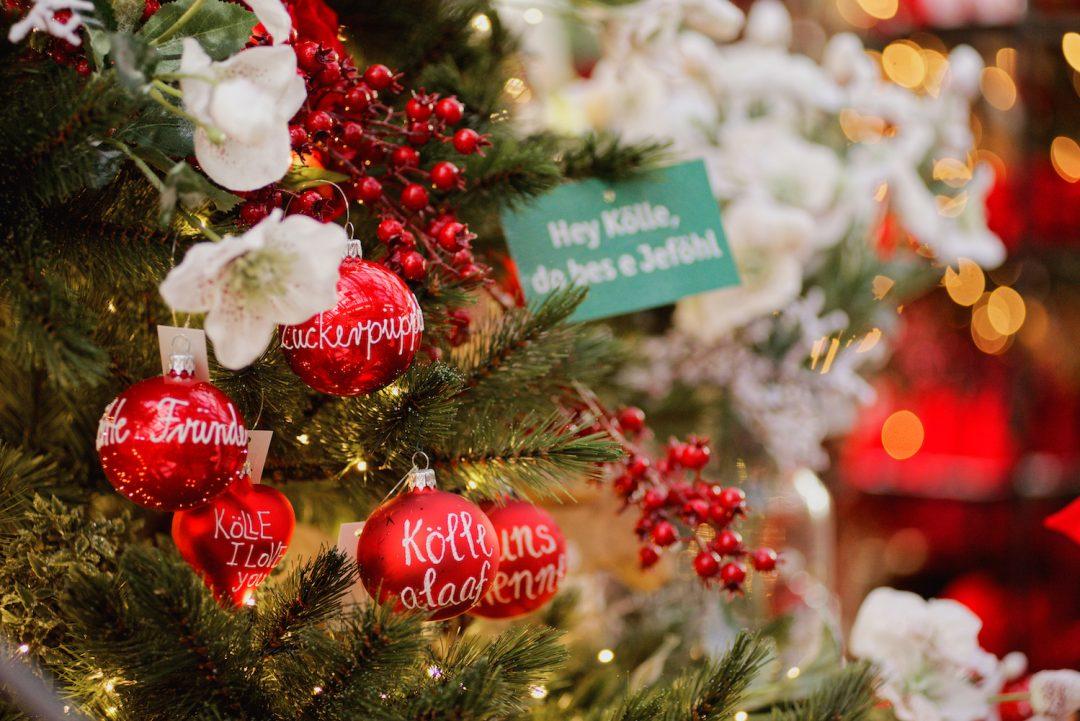Kölsche Weihnachtsbaumkugeln im Weihnachtsbazar