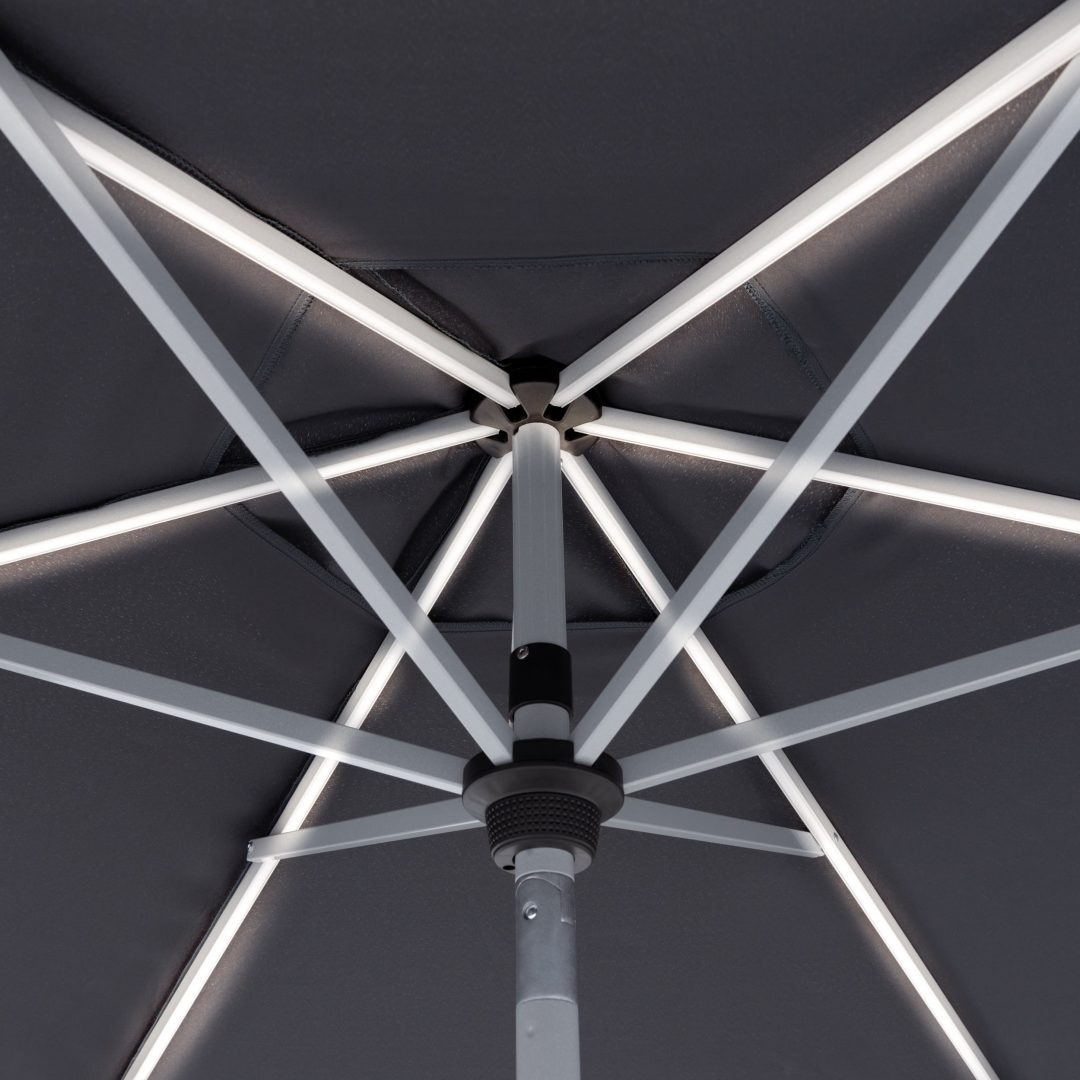 Schirmgestell mit integrierten Beleuchtung